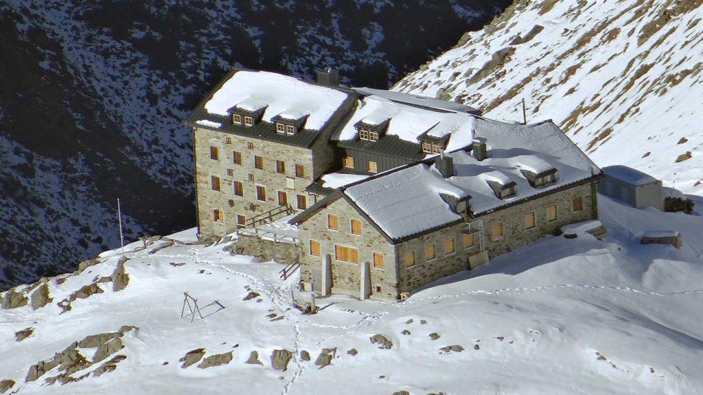 Soelden auf dem Gletscher Braunschweiger Hütte